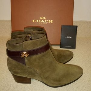 Coach low heeled shoes